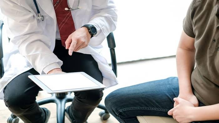 دکتر برای درمان خارش مقعد